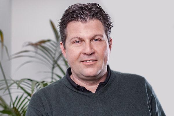 https://elektro-kettel.de/wp-content/uploads/2021/03/team_s-ament.jpg